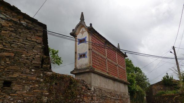 999-750 near Portomarín (1024x576)