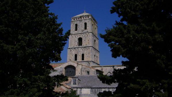 092 Arles,