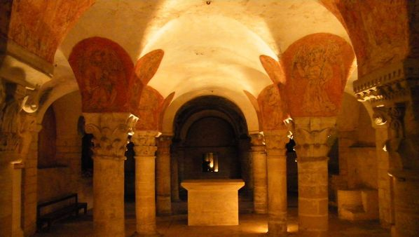 235 Crypt, Notre-Dame Cathedral, Bayeux