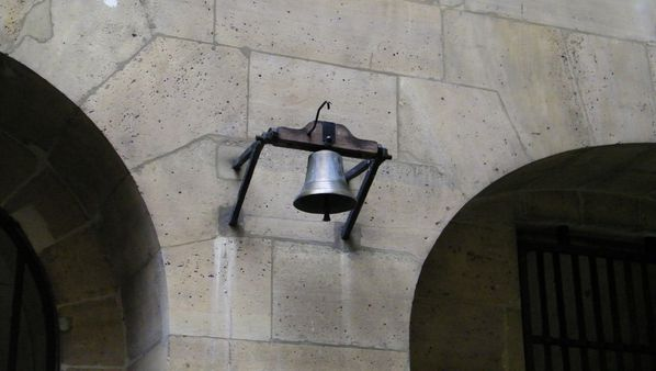 207 Bell, The Women's Court, La Conciergerie, Paris