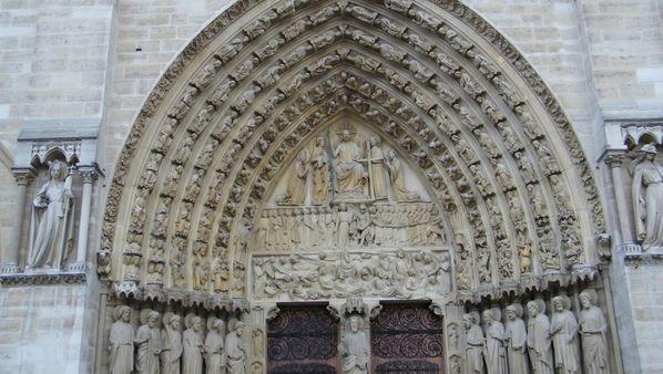 214 Cathédrale Notre-Dame de Paris