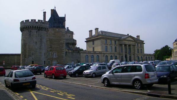 085 Le château des Ducs et Palais du Justice, Alençon