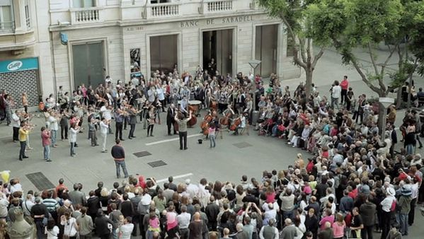flash-mob-orchestre-symphonique-banque-Sabadell-flashmob.jpg
