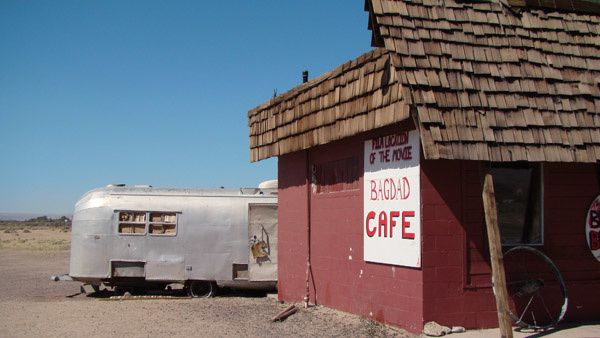 photo-route-66-bagdad-cafe-en-californie.jpg