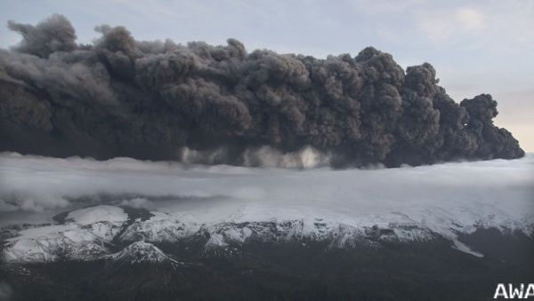 3 468905 a-plume-of-volcanic-ash-rises-into-the-atmosphere-fr