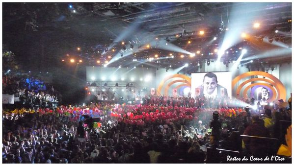 Les Enfoires 2011 Final Coluche 4