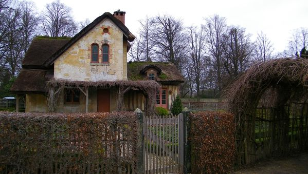 325 The Queen's Hamlet, Versailles
