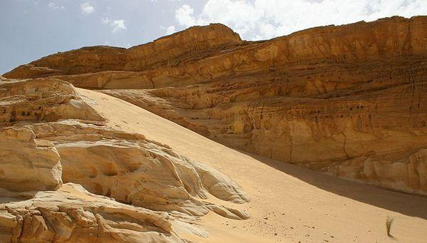 Désert du Sinaï from Betty Jones (USA) – Photo publiée sur www.trekearth.com - Image tronquée : cliquer pour voir la photo originale