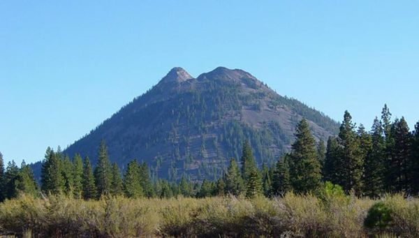 Black_Butte_from_Weed-_California-750px.jpg