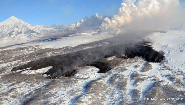29.11.12-tolba-front-lava-flow-from-S.fissure.jpg