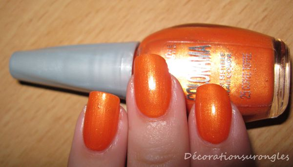 vernis-ongles-colorama-orange-swatch.jpg