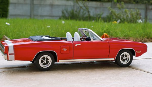 DODGE CORONET CABRIOLET ROUGE YATMING01