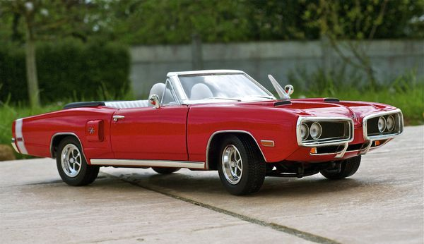 DODGE CORONET CABRIOLET ROUGE YATMING11
