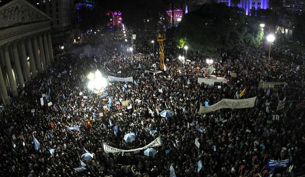 sem13avrf-Z1-manifestations-Buenos-Aires-argentine.jpg