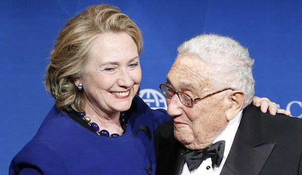 sem13maia-Z23-Hillary-Clinton-et-Henry-Kissinger.jpg