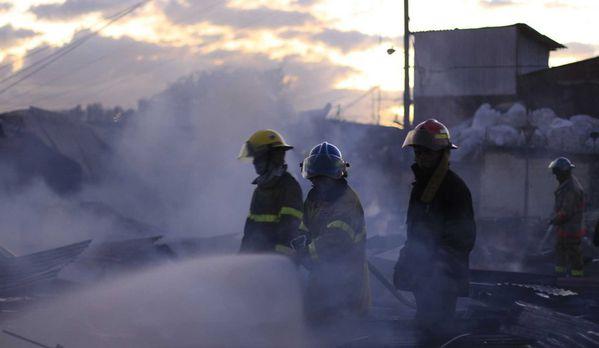 sem13janb-Z28-un-incendie-qui-a-detruit-l-eglise-historique.jpg