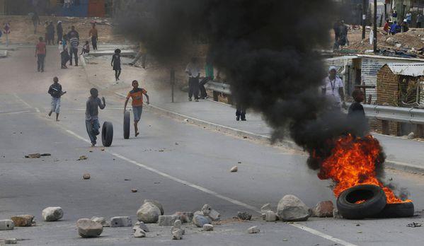 sem13janc-Z21-revolte-paysane-le-Cap-Afrique-du-su-copie-1.jpg