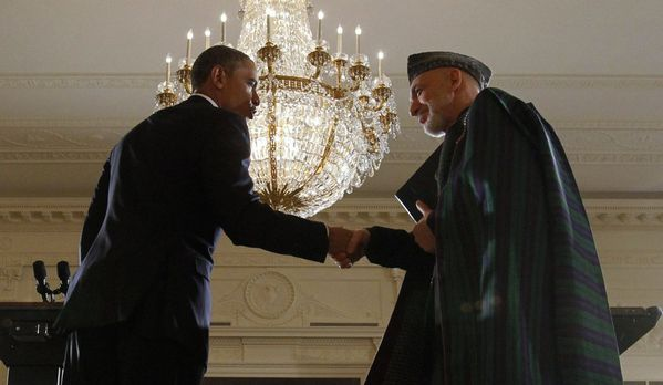 sem13jand-Z9-obama-hamid-karzai-Maison-Blanche-Washington.jpg