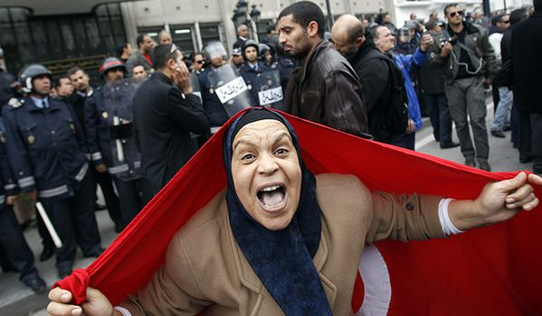 A-protester-with-a-Tunisi-003.jpg