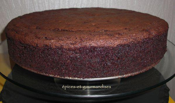 gâteau au chocolat et aux betteraves rouges CIMG7153 (2)