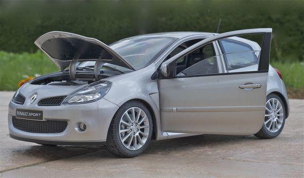 RENAULT CLIO RS3 COUPE GRIS SOLIDO14