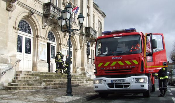 20100330 exercice-incendie-mairie 1958-bl