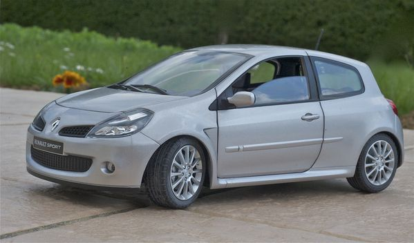 RENAULT CLIO RS3 COUPE GRIS SOLIDO16