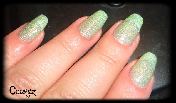 holo green swatch2