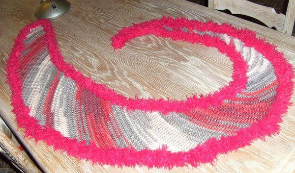 Crazy swirl shawlette Fatima 1