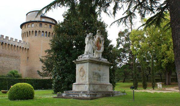 jardin radio statue fb