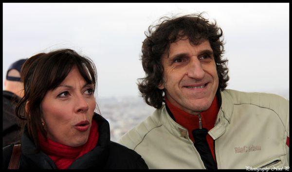 fete des vendanges de Montmartre 8 oct 2011 (8)Shirley & Di