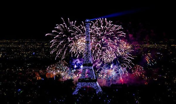 feu-artifice-tour-eiffel.jpg
