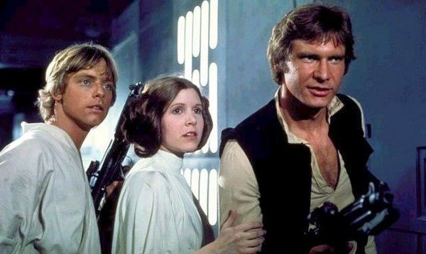 http://img.over-blog.com/600x357/1/32/60/44/Actucine/2012/sem45/Star-Wars-7.jpg