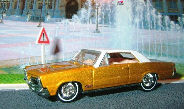 65-pontiac-gto- hot wheels serie ultra hots-2006