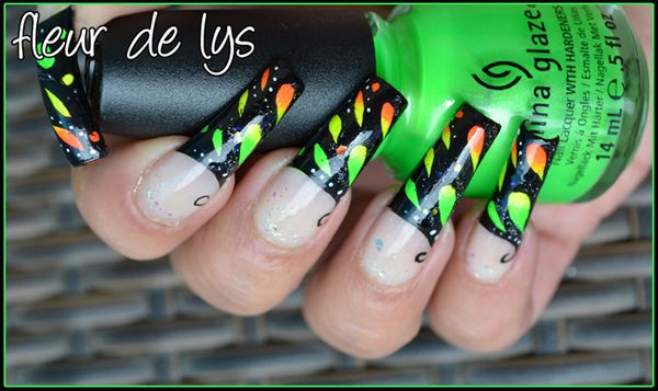 Nail Art Fluo (abstrait)