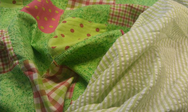 tissu-vert-et-rose.jpg