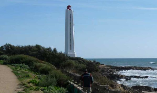 phare-a-SABLE-d-OLONNE--1-.jpg