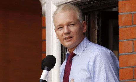 Julian-Assange-shown-at-t-008