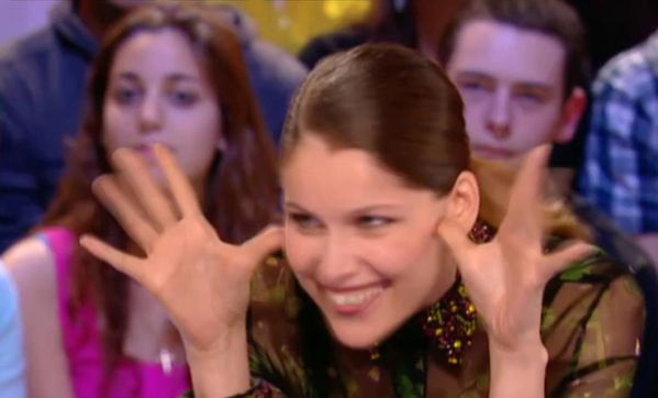 Laetitia Casta Grand journal Canal plus 2
