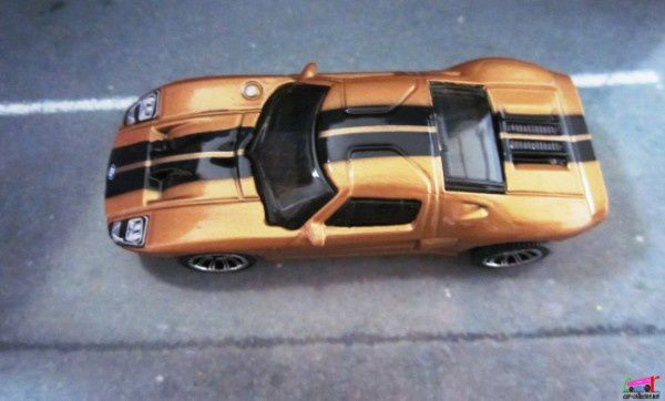 ford-gt-matchbox-ready-action