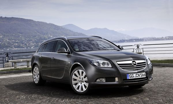 opel insignia 2 0 tdci 160 4x4 ode l 39 efficacit. Black Bedroom Furniture Sets. Home Design Ideas