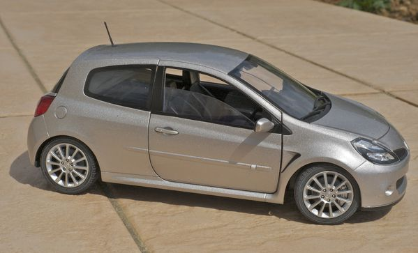 RENAULT CLIO RS3 COUPE GRIS SOLIDO01