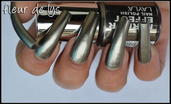 Layla black as ebony n 8 mirror effect collection for Vernis a ongle miroir