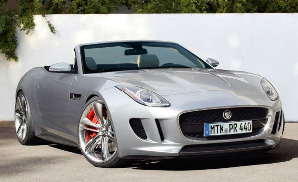 Jaguar F-Type 08