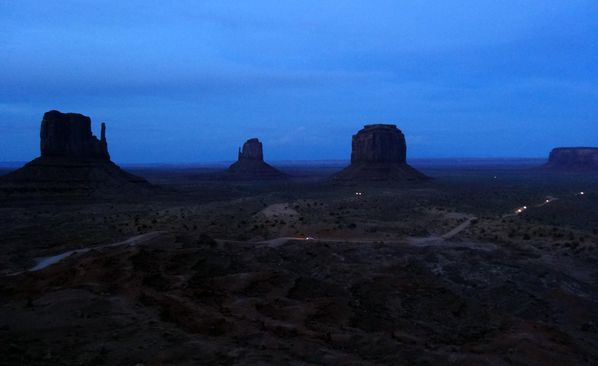 monument valley nuit