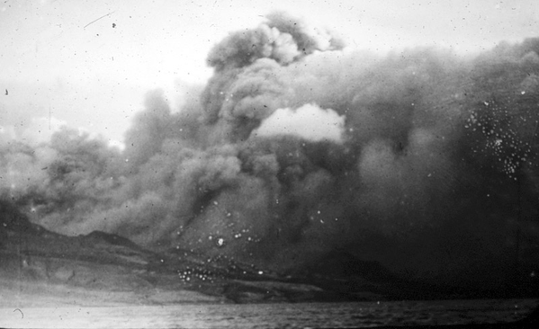 Pyroclastic-flow-Mont-Pelee--TA1902.png