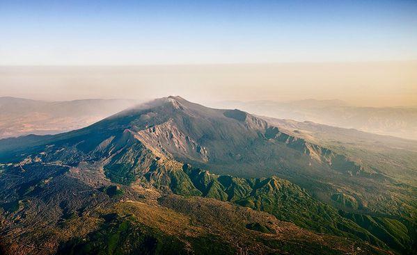 Etna-pano---site-Etna-FB--Roberto-Schillaci.jpg