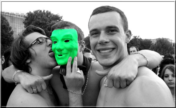 Gay Pride ou marche des fiertes 25 juin 2011 (1312)desat