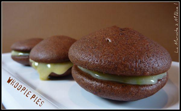 whoopie-pies-chocolat-blanc-sesame-pistache-2.jpg