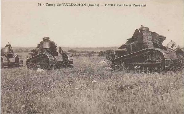 Valdahon camp-16 char d'assaut